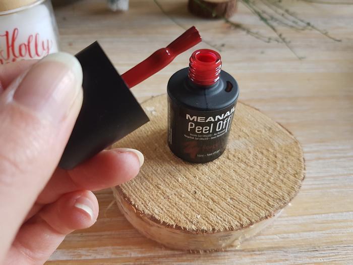 enfin une manucure parfaite grace à la technique peel off de meanail?