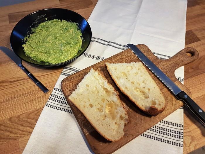 recette toast avocat crevettes et sauce kikkoman ail confit