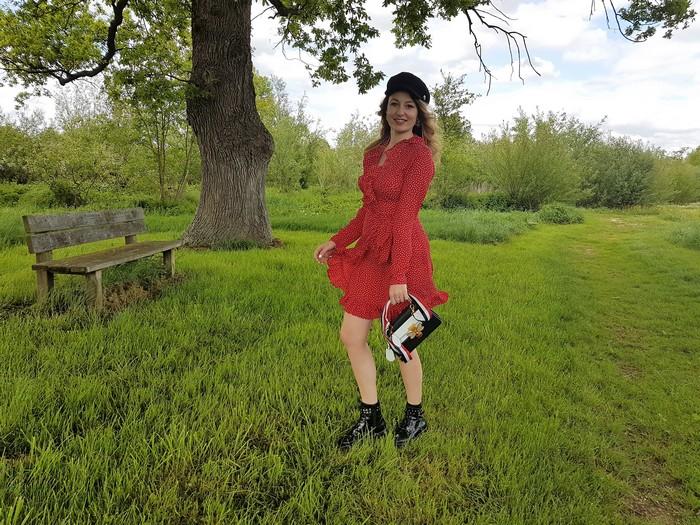 La robe rouge à pois parfaite!