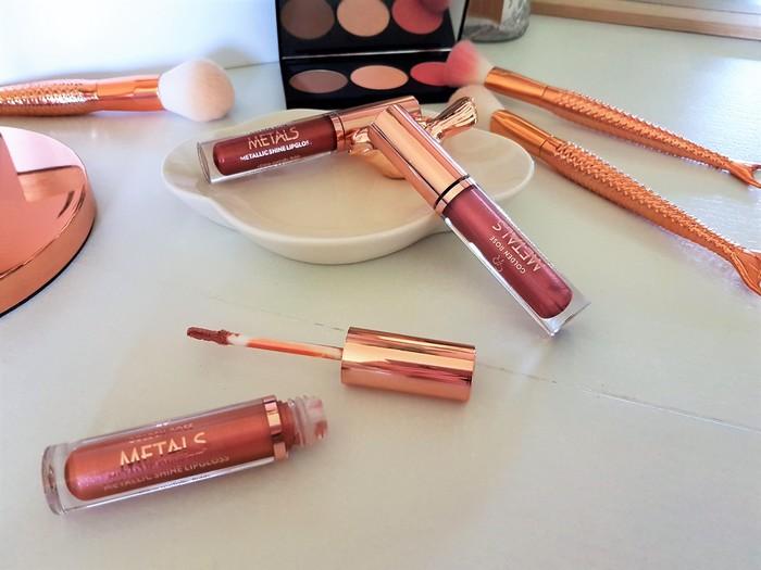 tendance rouge à lèvres métalliques avec la gamme metals de cookies make up