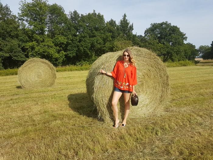 Look d'été: Tendance Folk dans les champs!
