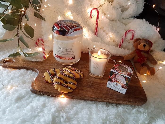 ambiance cosy de noel avec les bougies heart and home