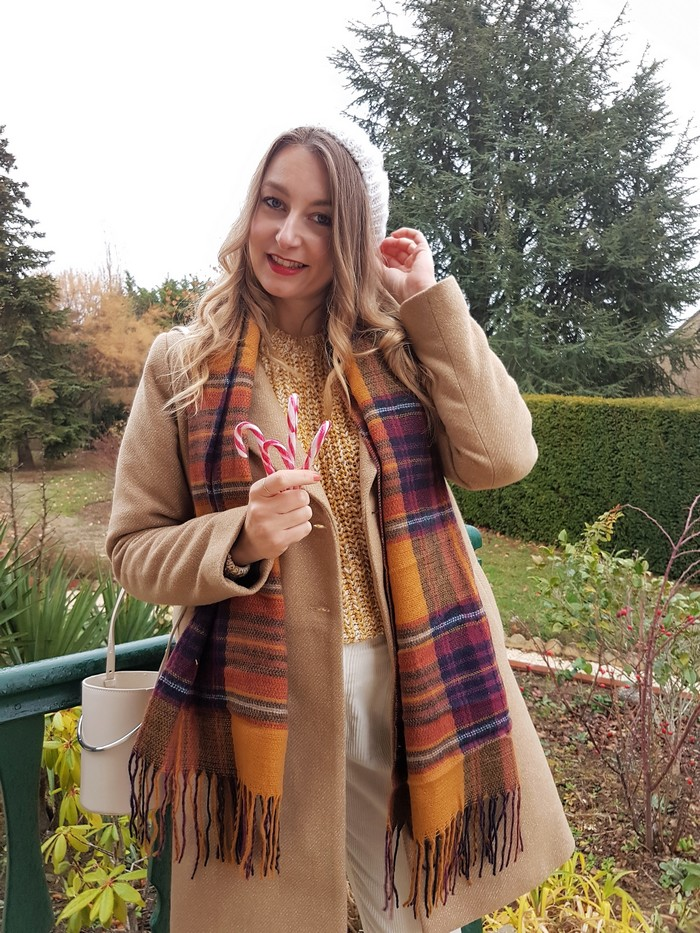 look d'hiver écharpe tartan