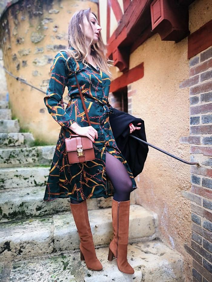look hiver robe imprimee foulard camaieu