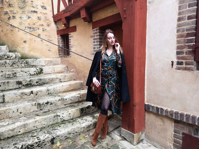 Tendance: la robe imprimée foulard